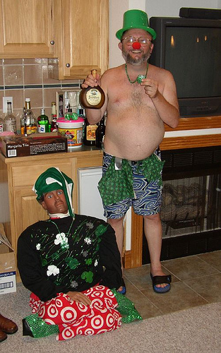 It's Irish drinkers who make the world go around - like this guy